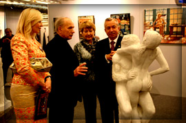 The Mayor of Donetsk and the exposition of the sculptor N. Shmatko.